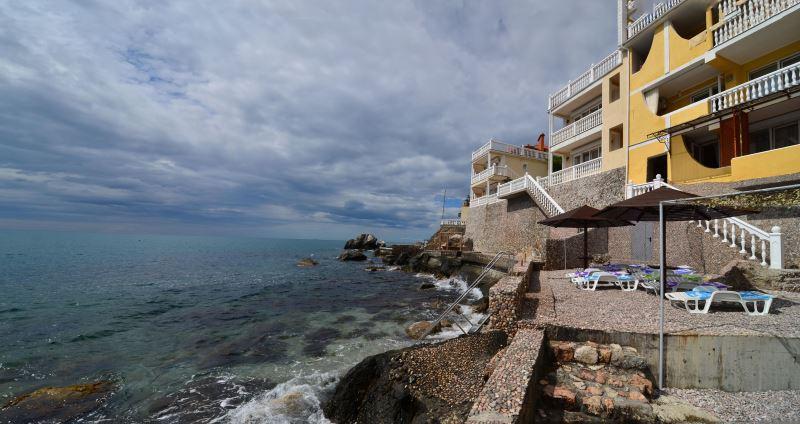 Отдых в Крыму на 1 линии моря  в отеле в Форосе